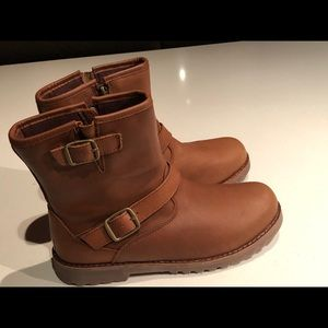 UGG brown leather moto ankle boots booties NWOT 6